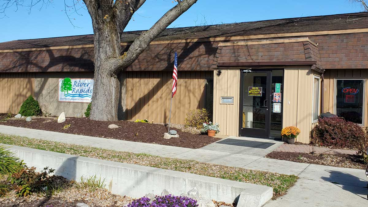 Image of River Rapids District Library in Chesaning Michigan