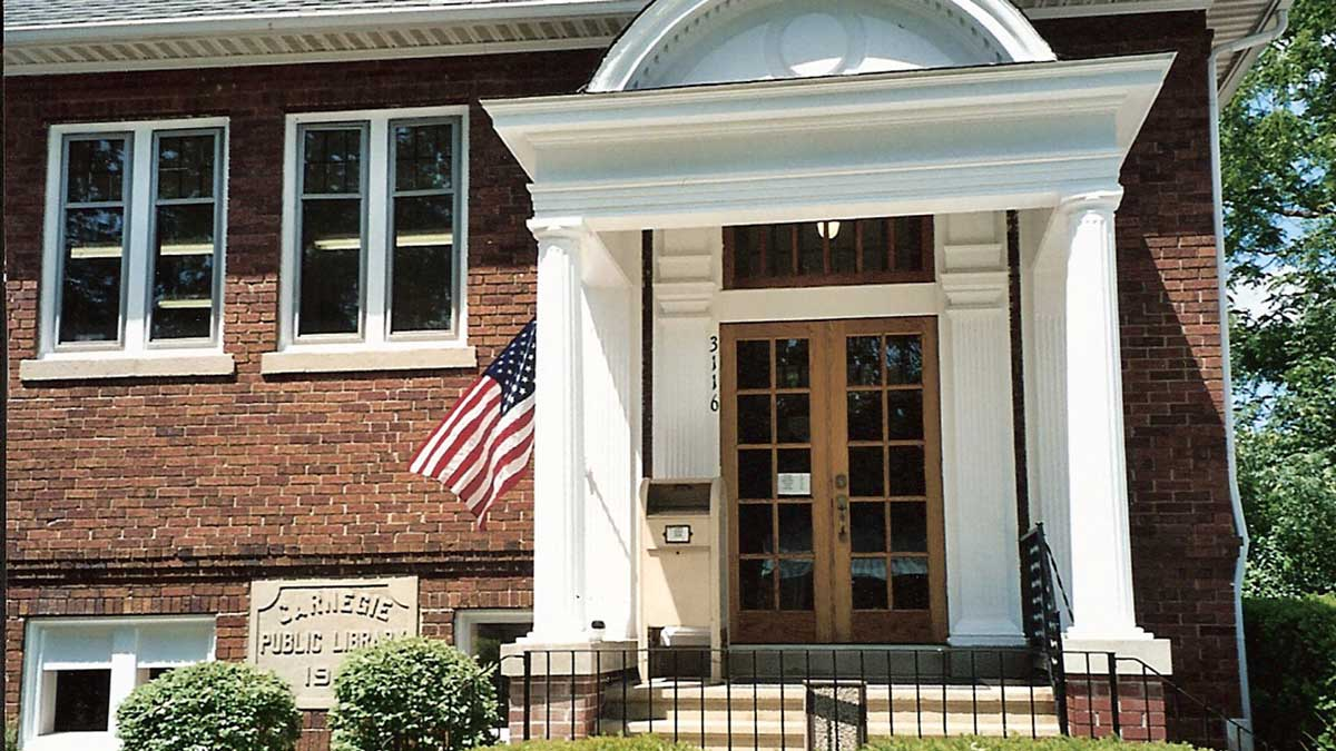 Image of the Malette District Library in Michigan