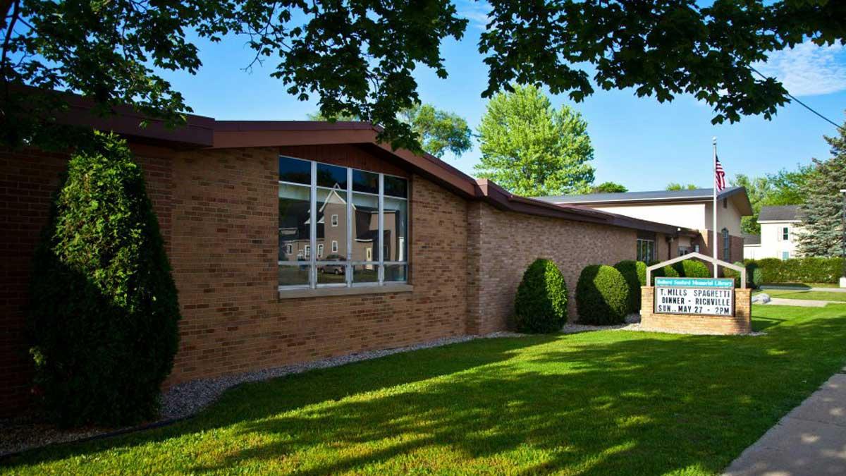 Image of the Bullard Sanford Memorial Library in Vassar Michigan